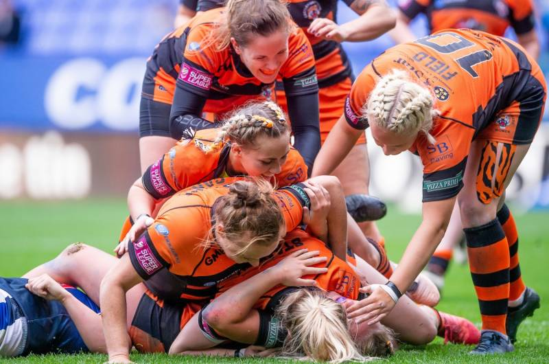 Saints keep up the pressure as Tigers win again