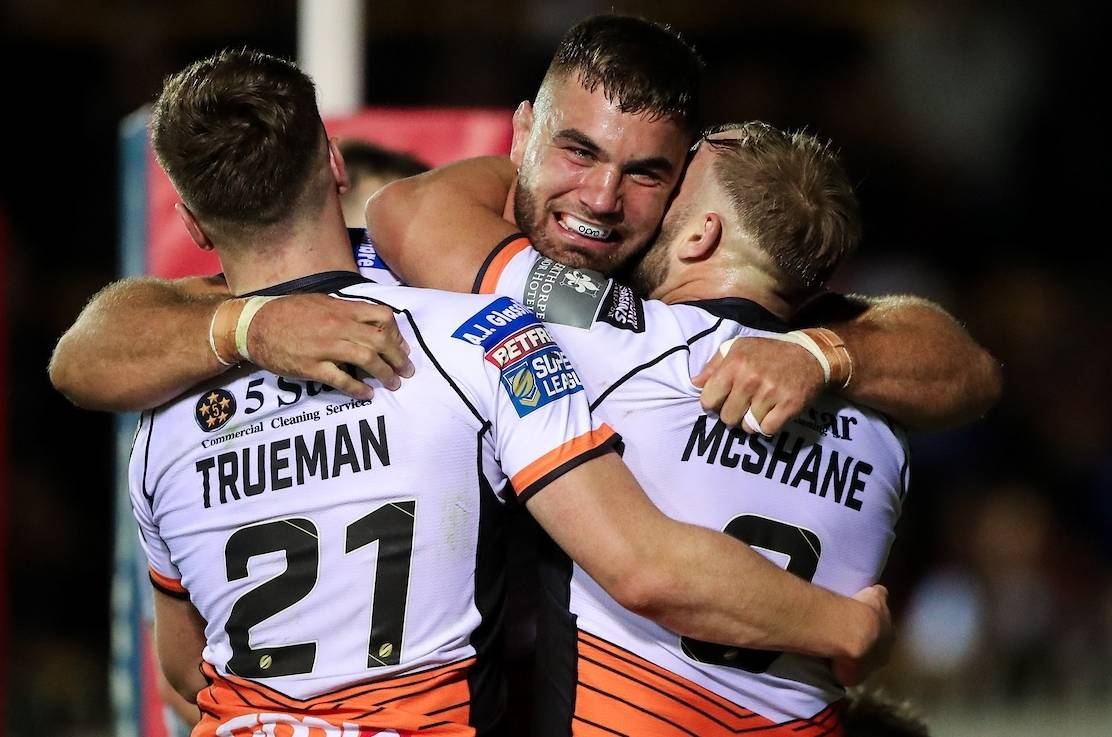 Tigers in control as they see off Giants