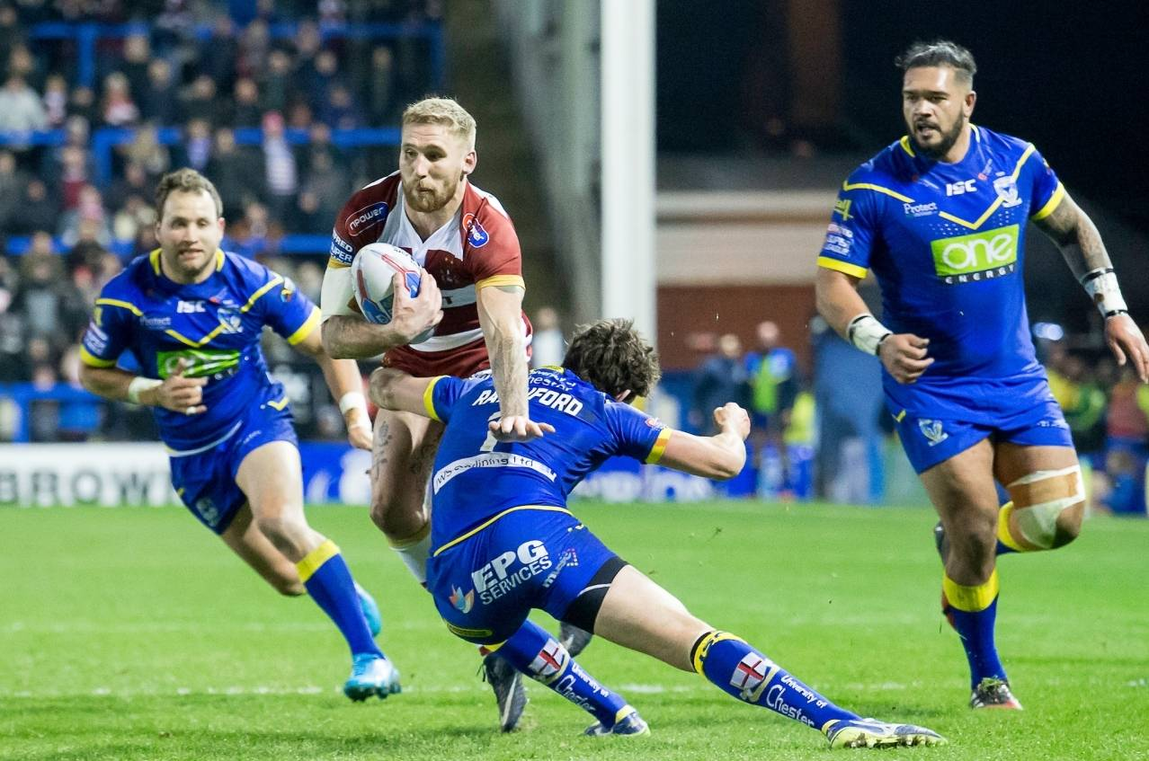 Super League Grand Final: Sam Tomkins vs Stefan Ratchford