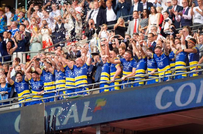 Warrington upset Saints to lift Challenge Cup