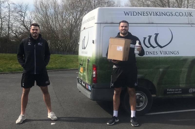Widnes Vikings distribute protective equipment to social care workers
