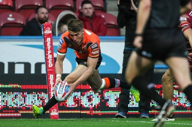 Castleford and Salford show no signs of slowing down in Super League