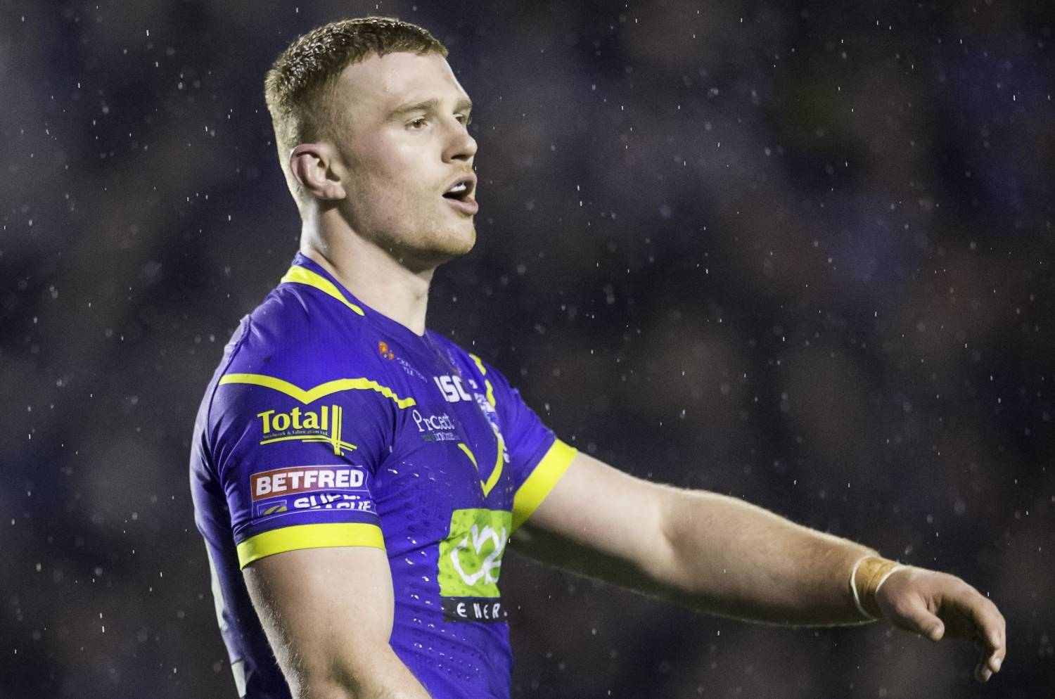 Hughes and Hill to share captaincy at Warrington